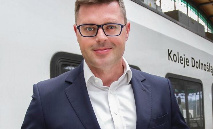 Jerzy Michalak: Więcej pasażerów i pociągów za mniejsze pieniądze