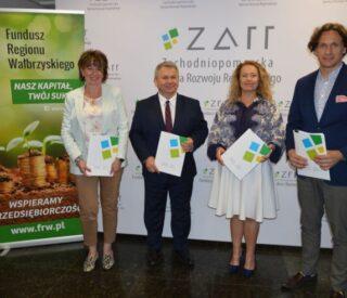 Fundusz Regionu Wałbrzyskiego podpisał umowy z Zachodniopomorską Agencją Rozwoju Regionalnego S.A. na wsparcie firm dotkniętych skutkami pandemii COVID-19