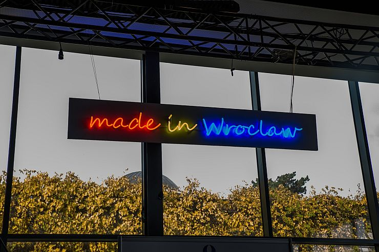 Made in Wroclaw 2021 neon rekl.